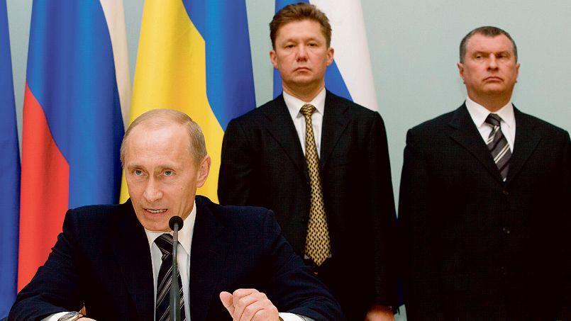 Vladimir Poutine, Alexeï Miller, chef de Gazprom, et Igor Stetchine, patron de Rosneft (de gauche à droite)