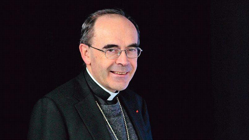 Mgr Barbarin: «Je ne signe pas de pétition et je participe très rarement à une manifestation.»
