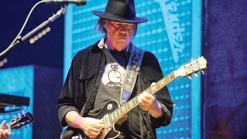 Neil Young en concert à Cologne, en Allemagne, en juillet 2013.