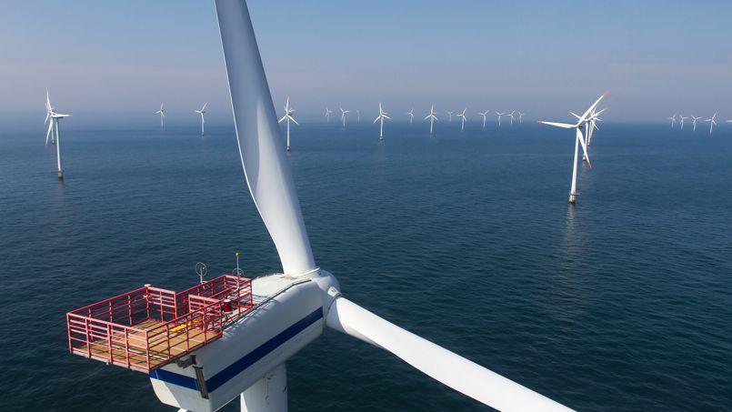 Parc éolien en mer, au large du Danemark.