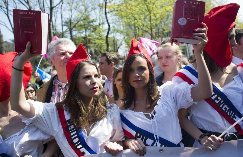 Des manifestants contre le mariage homosexuel, en avril 2013 à Paris.