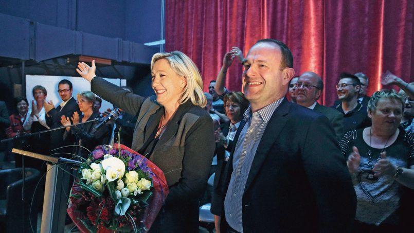 Signe de l'enjeu que représenterait une victoire du Front national à Hénin-Beaumont (Pas-de-Calais), Marine Le Pen est venue soutenir, vendredi, la candidature de Steeve Briois aux municipales.