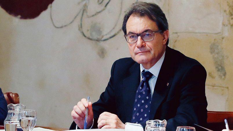 Artur Mas pendant une séance du gouvernement régional de Catalogne à Barcelone mardi.