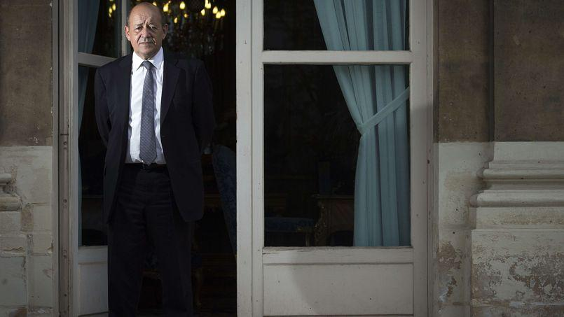 Dans l'entourage du ministre français de la Défense, Jean-Yves Le Drian, on estime que la «crise grave» en Ukraine conforte les choix militaires stratégiques de la France et de l'Europe.