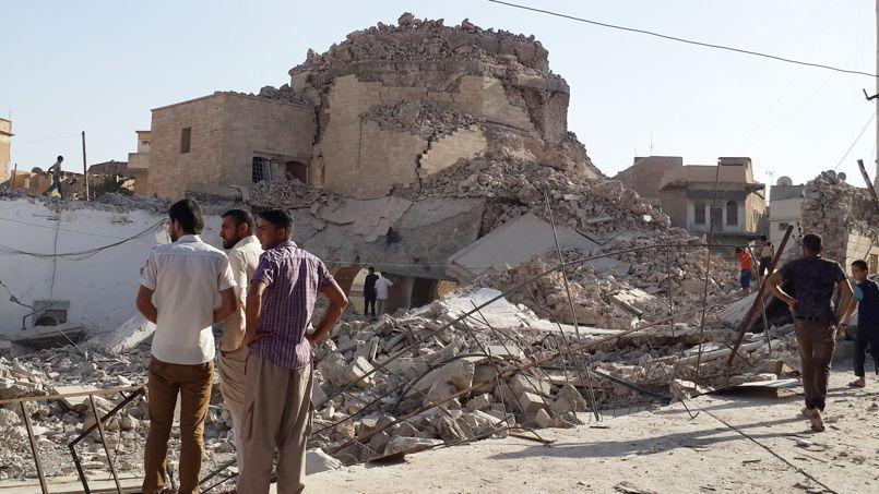 La mosquée du Prophète Jirjis dans le centre de Mossoul a été l'objet d'une destruction par les djihadistes qui se sont emparrés de la deuxième ville d'Irak pour en faire la capitale de leur califat.