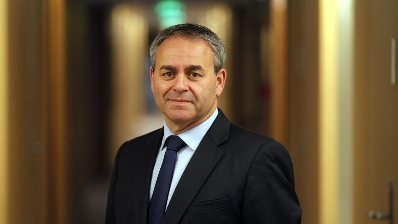 Xavier Bertrand: «Le Parlement doit déterminer chaque année les secteurs concernés. Entre l'immigration zéro, qui est un mensonge, et le laisser-aller, il y a une troisième voie, celle des quotas fixés publiquement.»