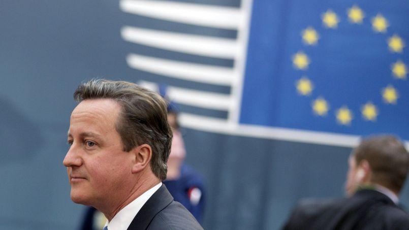 Le premier ministre britannique David Cameron, jeudi à Bruxelles, arrive au sommet européen consacré à la situation en Ukraine.