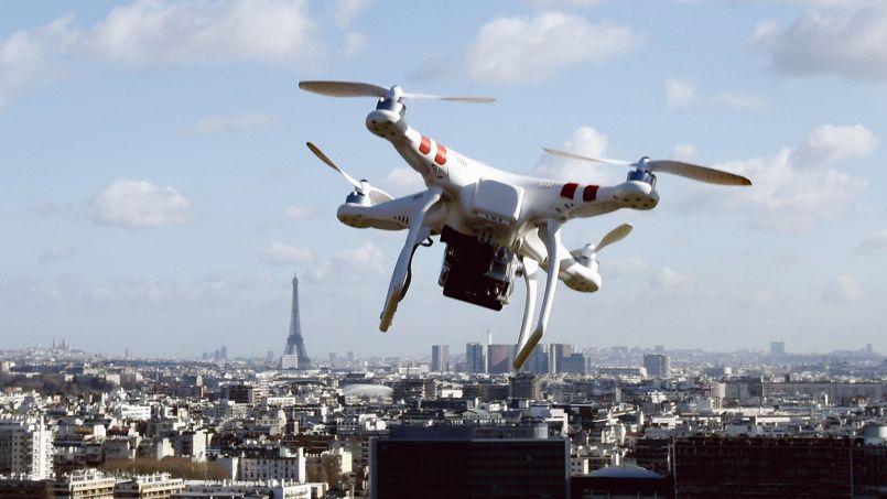 Pas moins d'une soixantaine de survols par des drones ont été observés à travers le pays depuis octobre.
