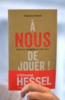 La couverture du dernier livre de Hessel.