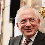 <b>Olivier Schrameck.</b> L'ancien directeur de cabinet de Lionel Jospin a été nommé à la présidence du CSA. Une nomination qui ne doit rien à ses compétences en la matière...