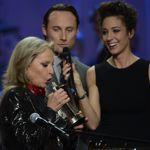 Véronique Sanson reçoit une Victoire d'honneur.