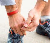 Le Fitbit Flex analyse les mouvements pour permettre d'améliorer notre condition physique.