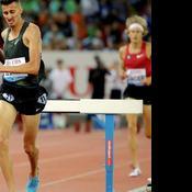 Un athlète s'impose sur le 3000 m steeple… en perdant une chaussure