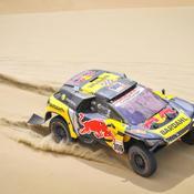 Dakar : Al-Attiyah frappe fort d'entrée, Loeb dans le dur