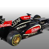 Lotus passe la première
