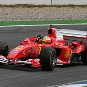 Mick Schumacher retrouve le sourire au volant de la Ferrari de son père