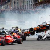 Un impressionnant crash au départ du Grand Prix de Belgique