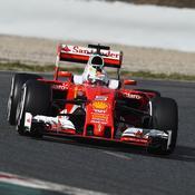Vettel récidive à Barcelone, Rosberg accumule