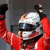 Vettel renoue avec la victoire et repousse Hamilton