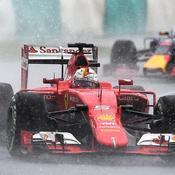 Vettel s'intercale entre les Mercedes