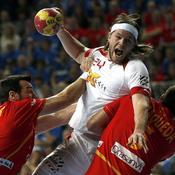 Jorge Maqueda et Gedeon Guardiola face à Mikkel Hansen