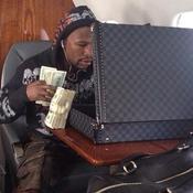 Floyd Mayweather dans son jet privé