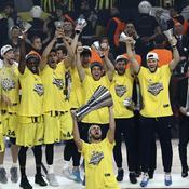 Euroligue : le Fenerbahçe, premier club turc sacré champion