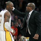 Kobe Bryant et Mike Brown