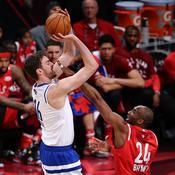 Pau Gasol face à Kobe Bryant