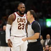 Agacé, LeBron James se fait expulser pour la première fois de sa carrière