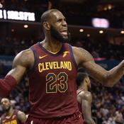 Cleveland et LeBron James décollent à Charlotte, malgré le retour de Batum