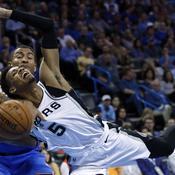 Les Spurs sombrent à Oklahoma City, les play-offs s'éloignent