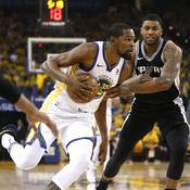 Les Warriors détruisent les Spurs, Philadelphie écrase Miami