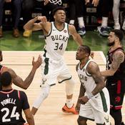 Milwaukee écrase Toronto et fait le break