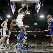 San Antonio arrache sa finale en écoeurant Denver