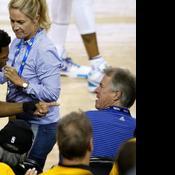 Un co-propriétaire de Golden State disjoncte, la NBA le suspend un an