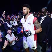Suspendu un an, Tony Yoka touché mais pas K.O.