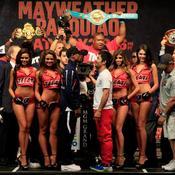 Floyd Mayweather Jr. et Manny Pacquiao lors de la pesée
