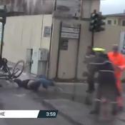 Tirreno-Adriatico : un piéton traverse la route et se fait percuter par deux coureurs