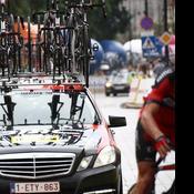 Tour de France : quand les voitures des équipes se font flasher au radar dans Paris