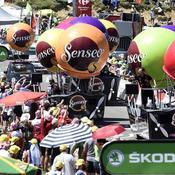 Pollution plastique: la caravane du Tour de France à la croisée des chemins