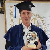 Lewandowski obtient sa licence de sport avec comme sujet sa propre carrière