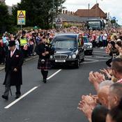 Une foule immense est venue dire adieu au jeune Bradley Lowery