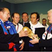 Jacques Chirac, en compagnie de Lionel Jospin et de Michel Platini