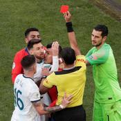 Copa America : Messi expulsé face au Chili pour une altercation avec Medel (vidéo)