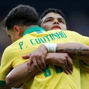 Philippe Coutinho et Thiago Silva - Crédit : REUTERS/Diego Vara