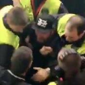 Michaël Youn expulsé du Stade de France pour un fumigène ?