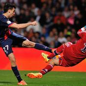 Javier Pastore, PSG. Anthony Lopes, OL