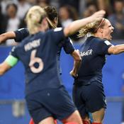 Coupe du monde féminine 2019 : dans la douleur, les Bleues entretiennent la flamme