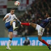 Angleterre-France M\'Vila devant Henderson